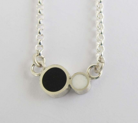 Pont.vero Silver Necklace– Black - White - Small