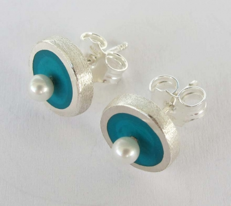 Turquoise Stud Earrings with freshwater pearls
