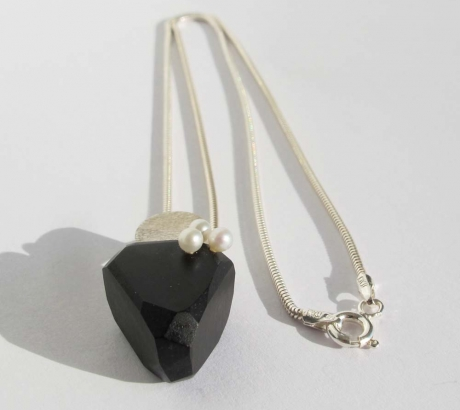 Ebony Silver Necklace with Pearls