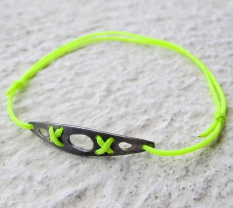 Sea kayak silver bracelet – oxidized, neon yellow