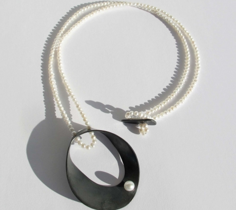 Baroque black silver necklace with pearls