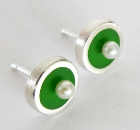 Green Stud Earrings with freshwater pearls