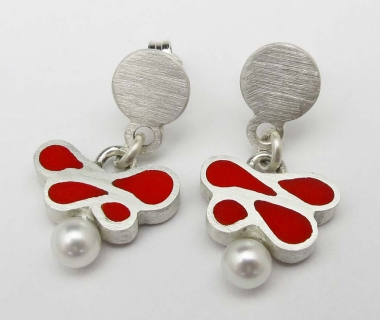 Red baroque earrings with pearl